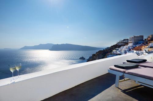 Oia, Santorini, 84702, Greece.