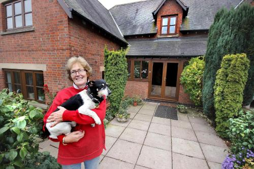 Castle Farmhouse Bed And Breakfast, Leicester