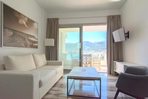 . Belvedere Suites Korfos