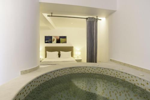 Honeymoon Suite with Private Jetted Tub