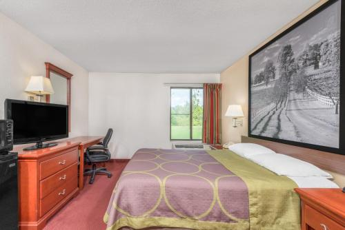 Super 8 By Wyndham Vincennes