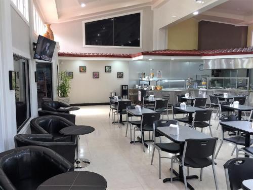 Prado Inn & Suites