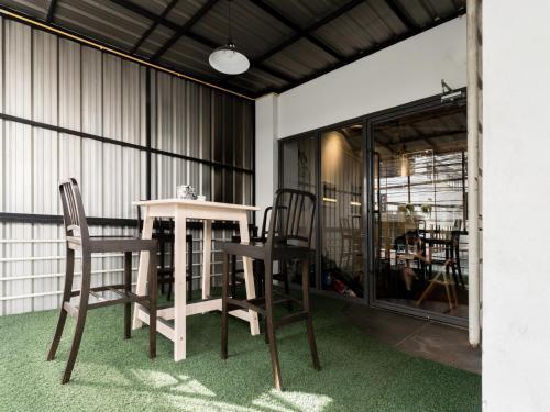 Good One Hostel & Cafe Bar photo 25