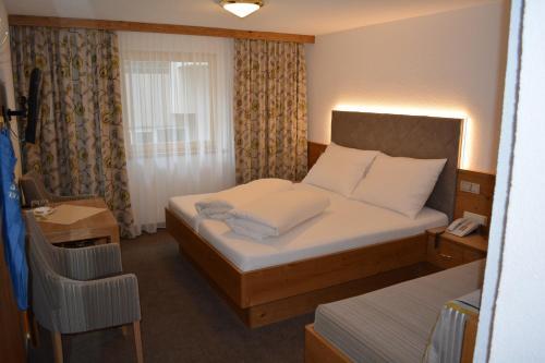 Фото отеля Hotel Garni Maria Theresia