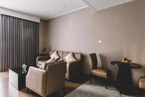 Adelphi Suites Bangkok photo 68