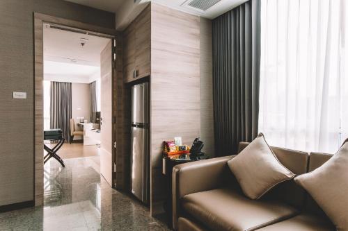 Adelphi Suites Bangkok photo 74