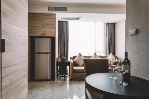 Adelphi Suites Bangkok photo 77