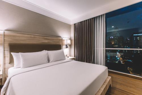 Adelphi Suites Bangkok photo 78