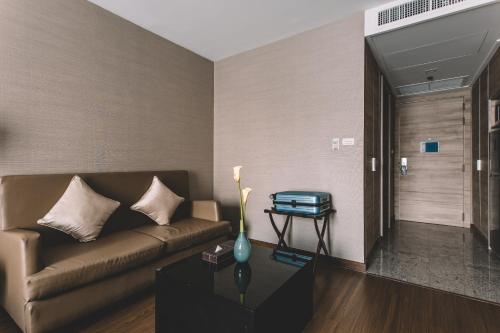 Adelphi Suites Bangkok photo 80