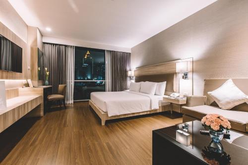 Adelphi Suites Bangkok photo 82