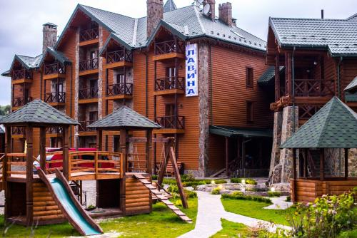 . Lavina Hotel
