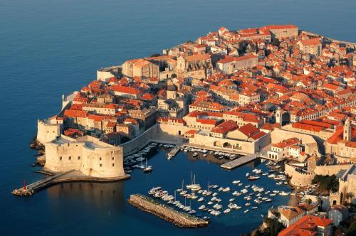 Kardinala Stepinca 21, Lapad, 20 000 Dubrovnik, Croatia.