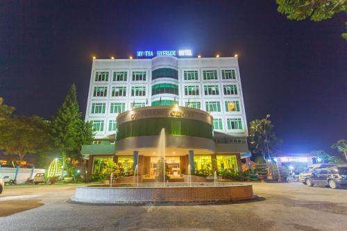 . My Tra Riverside Hotel