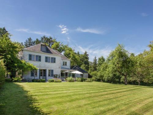 . Modern Holiday Home with Fenced Garden in Resteigne