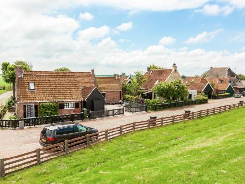 . Cozy Holiday Home in Moddergat with Sea Nearby