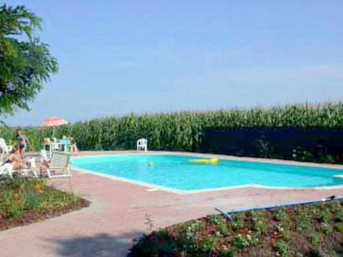 . Spacious Farmhouse for 5 persons near River Po with pool