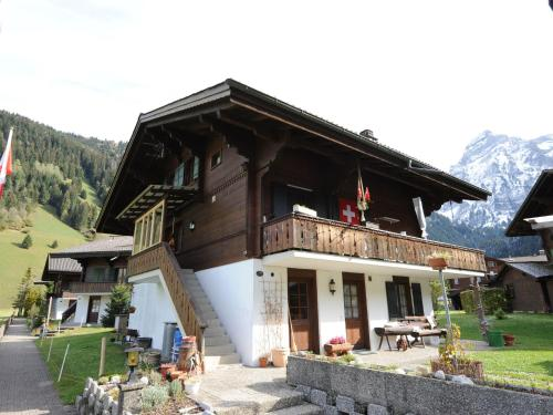 . Stunning Apartment withTerrace in Lenk im Simmental
