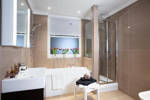 Claverley Court Apartment Knightsbridge photo 43