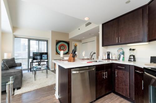 Global Luxury Suites at Howard Street photo 15