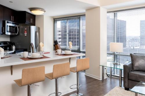 Global Luxury Suites at Howard Street photo 16
