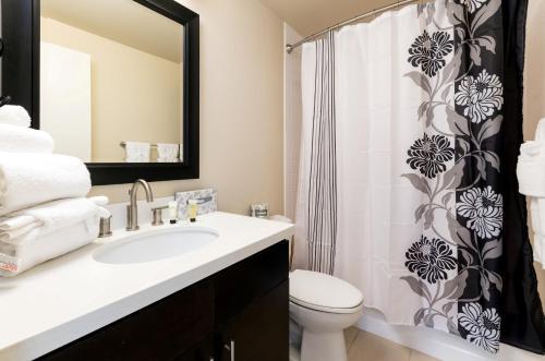 Global Luxury Suites at Howard Street photo 20
