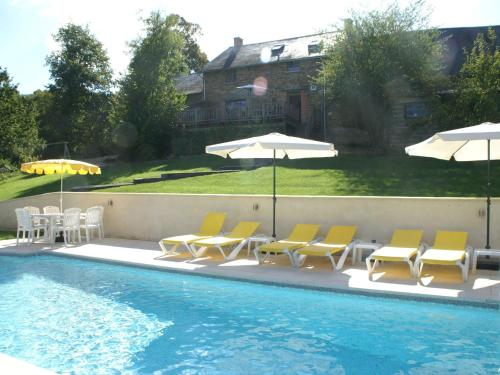 . Spacious Holiday Home in Sussac France with Pool