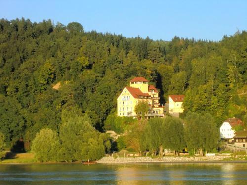 . Hotel-Restaurant Faustschlössl