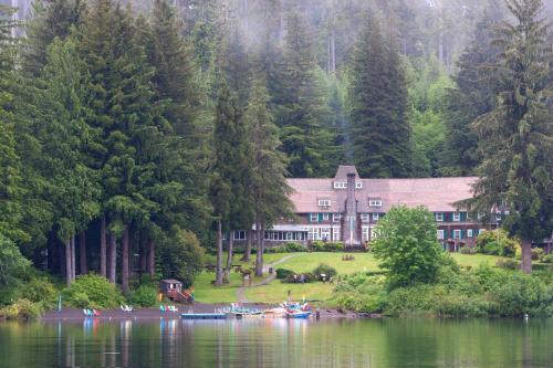 . Lake Quinault Lodge