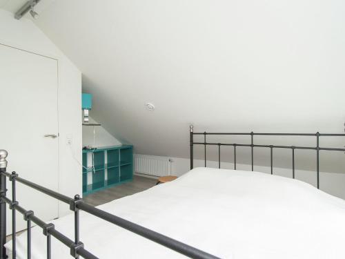 Luxurious Holiday Home with Sauna in Bergen, Alkmaar