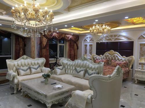 . JingWei Luxury Suite