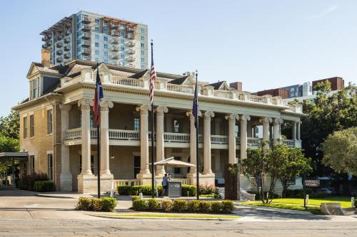 1900 Rio Grande, Austin, Texas 78705, United States.