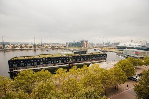 Royal Victoria Dock, Western Gateway, London E16 1FA, England.