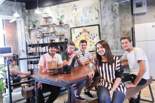 ThongLor Travellers Hostel and Cafe photo 52