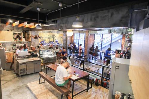 ThongLor Travellers Hostel and Cafe photo 53