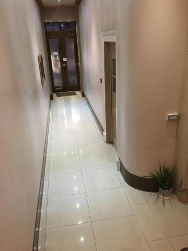 Central London Budget Hotel - Photo 2 of 66