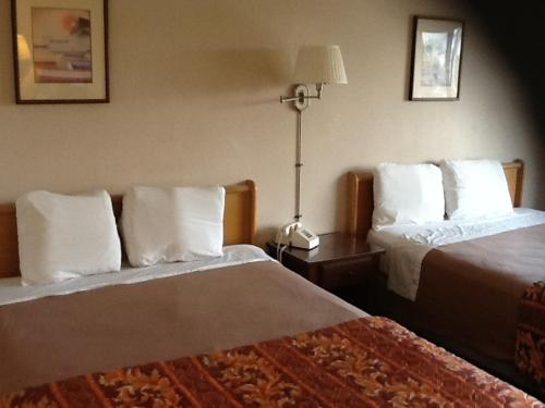 Downey Inn Luxury Suites - Downey, CA 90241