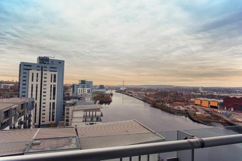 Waterfront West End Apartment - Glasgow