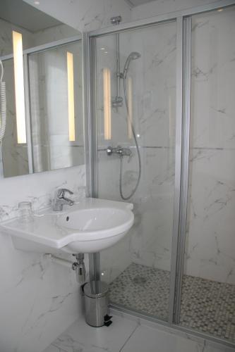 Hotel Bellevue Saint-Lazare photo 16