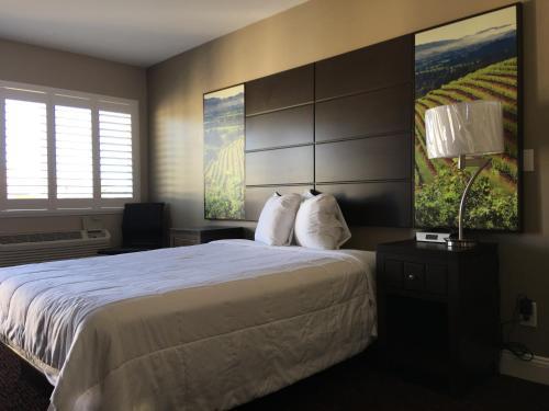 Travelodge By Wyndham Vallejo Napa Valley - Vallejo, CA 94590
