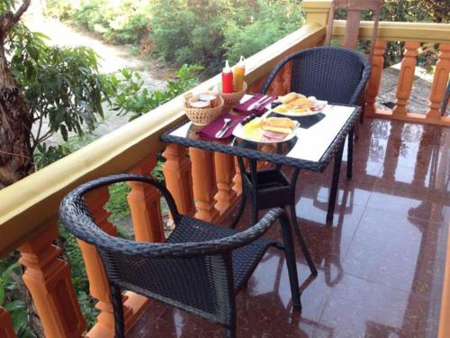 Apsara Guest House Kampot City (B&B)