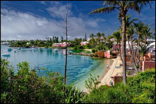 30 Kings Point Rd, Somerset Village MA02, Bermuda.