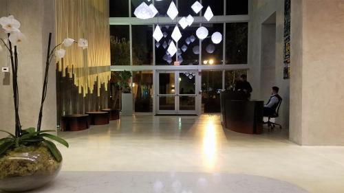 Downtown Miami Deluxe Apartment - Miami, FL 33131