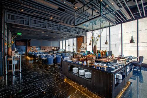 Compass SkyView Hotel photo 37