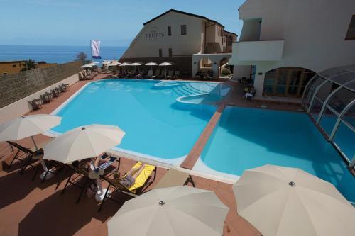 . Hotel Tropis