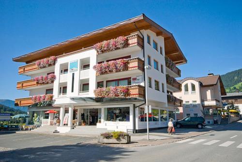 . Apartmenthaus Brixen & Haus Central