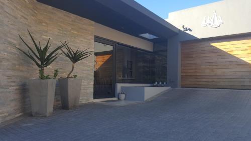 Yadah Guest House