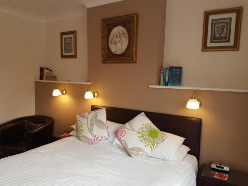 Penryn Guest House, Ensuite Rooms, Free Parking And Free Wifi Stratford Upon Avon