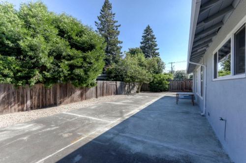 Gala Apple 3br/2ba - Sunnyvale, CA 94087