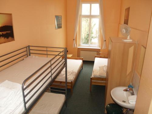Happy go Lucky Hotel + Hostel photo 56