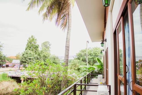 Ban Klong Srabua photo 11